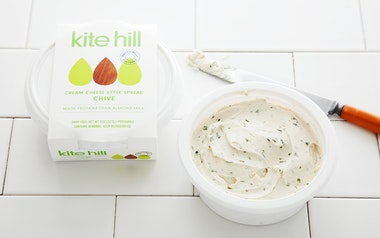 Vegan Chive Cream Cheese Style Spread