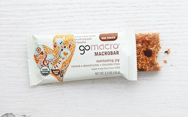 Coconut, Almond Butter & Chocolate Chip Macro Bar
