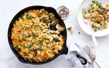 Skillet Mac & Cheese with Broccoli
