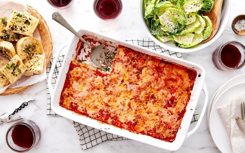 Lasagna Family Dinner with Garlic Bread & Caesar Salad ...
