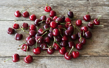 Organic Lapin Cherries