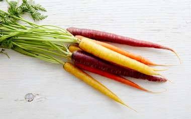 Organic Bunched Rainbow Carrots